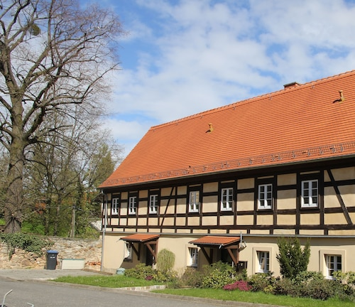 10 km to Dresden - Modern Apartment in the Farm With her own Horses, Garden Pool