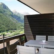 Apartment With Balcony With Mountain Views in Heiligenblut, in the Hiking u. Ski Area