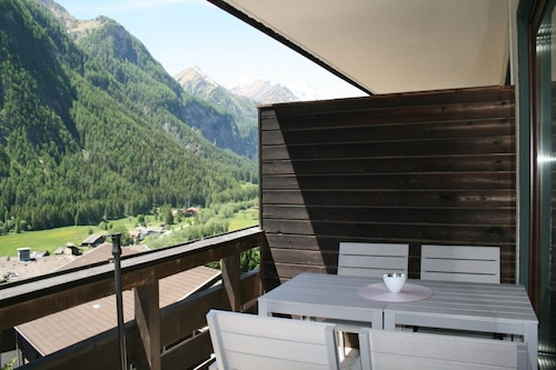 Apartment With Balcony in Heiligenblut, Hiking u. Ski Area