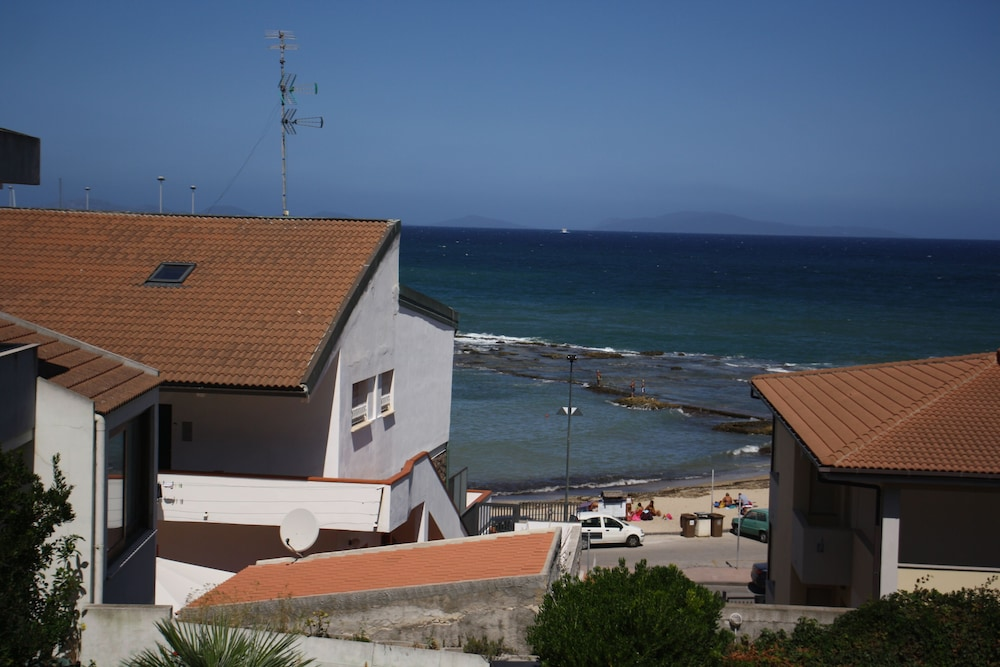 Exterior, Holiday House Near the Beach With a Wonderful sea View