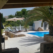 Holiday Cottage Andalucia Sleeps max 7 Person 4xtv Wifi Internet