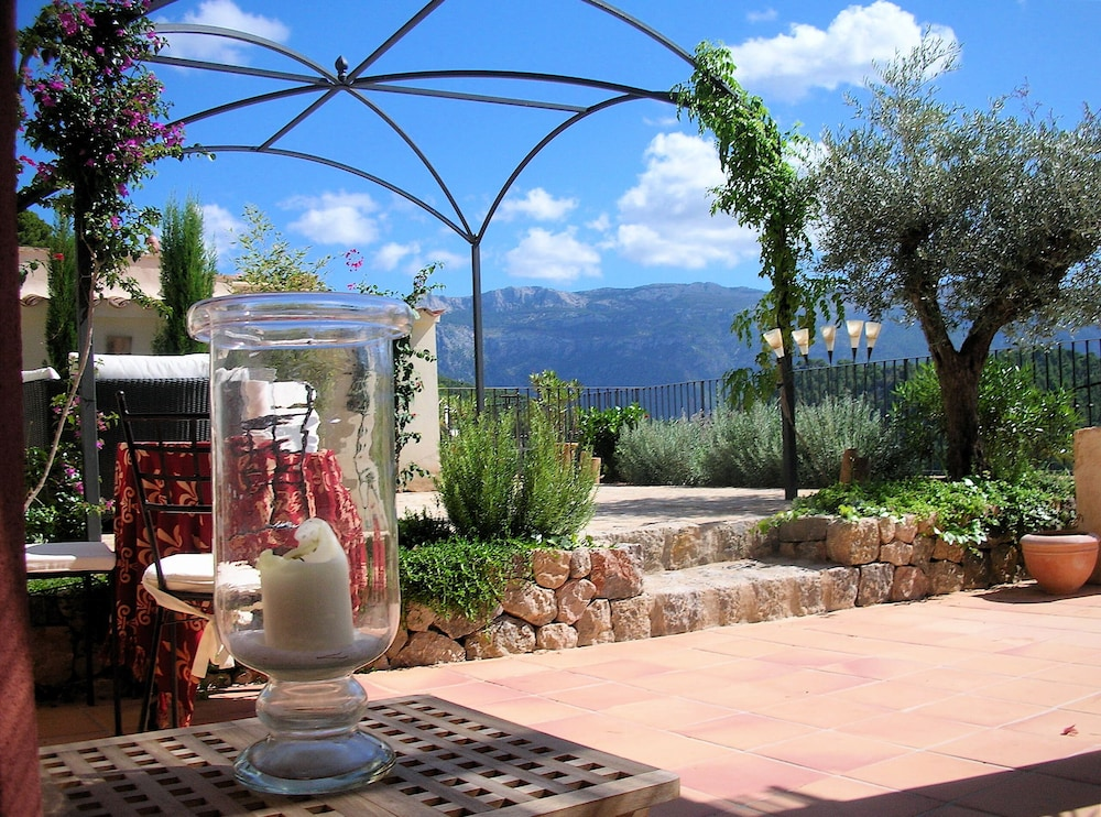 Outdoor Küchen Mallorca : Large private sun terrace and gr. garden with outdoor kitchen