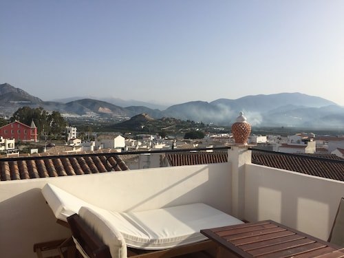 Charismatic old Town House in Andalusian Style. Very Quiet Location