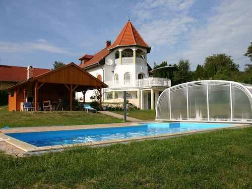 Villa With Breathtaking Views in Heviz, Indoor Pool 9,30x3,50x1,40 m