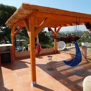 Villa on 2 Bays With Sandy Beach, Heated Pool, Ideal f. Children