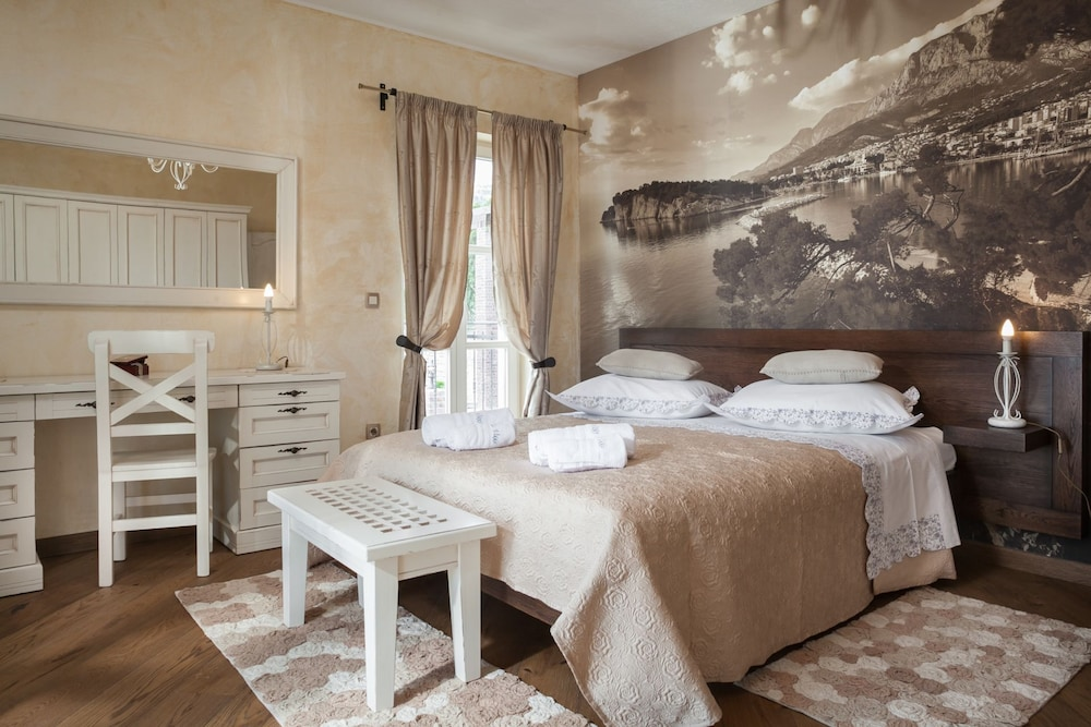 Room, High-lux Villa Vikki With Pool and Seaview