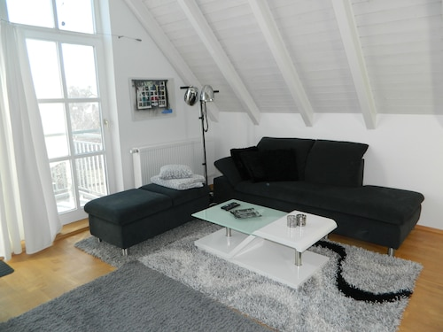 Loft Apartment With 3 Bedrooms Just Outside Munich Near the Airport!