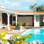 Large Charming Villa for 6 Pers. Private Pool, Garden, sea and Mountain Views