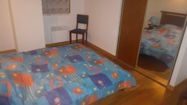 5 chambres, fer et planche à repasser, Wi-Fi