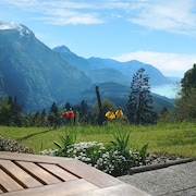 Fantastic View With Garden - Quiet Apartment in the Mountains