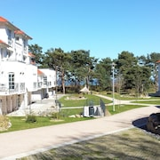 Modern Holiday Apartment in Direct Beach Location / Pool / Sauna / W-lan, Underground Parking Inclusive
