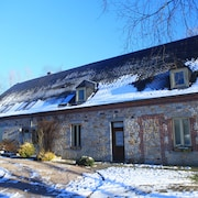 Gite Stones of Escapes in Chimay, Bbq, Jacuzzi, 4 Rooms, 8 People, Nature