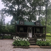 Lakeside Cottage, Fishing, Golf & Hiking Nearby, Canoe & Kayak, Pet Friendly
