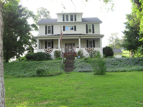 Central Pennsylvania Shoff-read Century Farmhouse Vacation Rental
