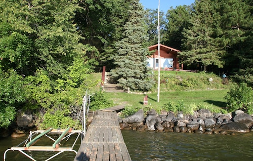 Rustic, Cozy, Lakefront Cabin On Leech Lake- Perfect For Families & Fisherfolk