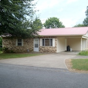 Centrally Located and Easy Access to Places Around Heber Springs