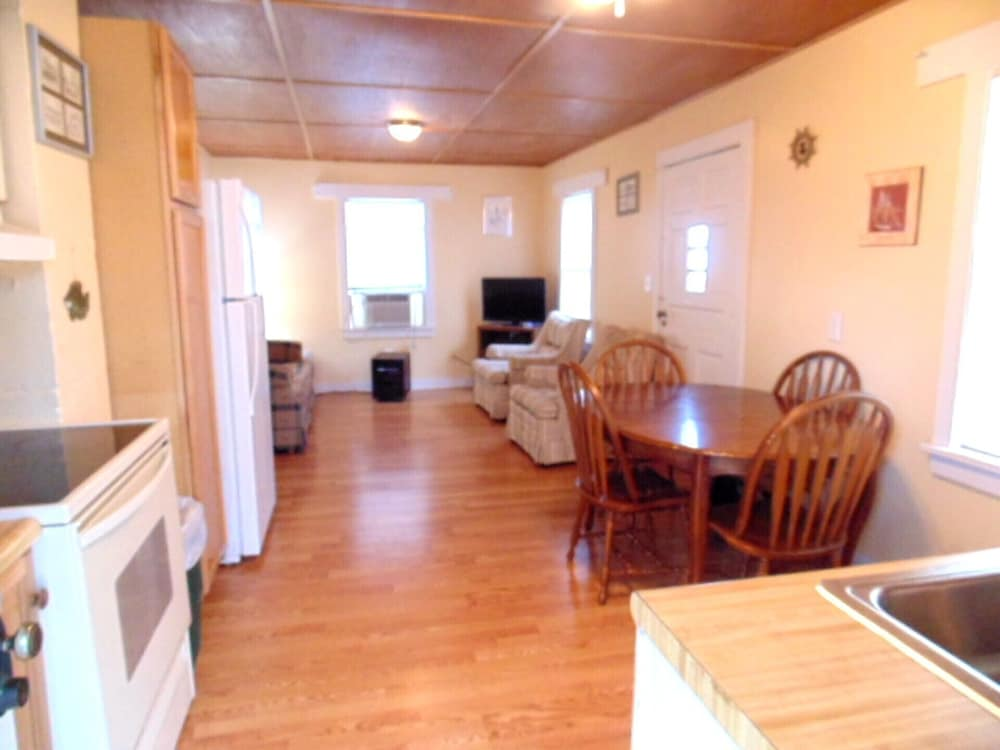 Living Room, Marblehead Cottage #1 @ East Harbor, 100 Yards From Water, Free Boat Dock