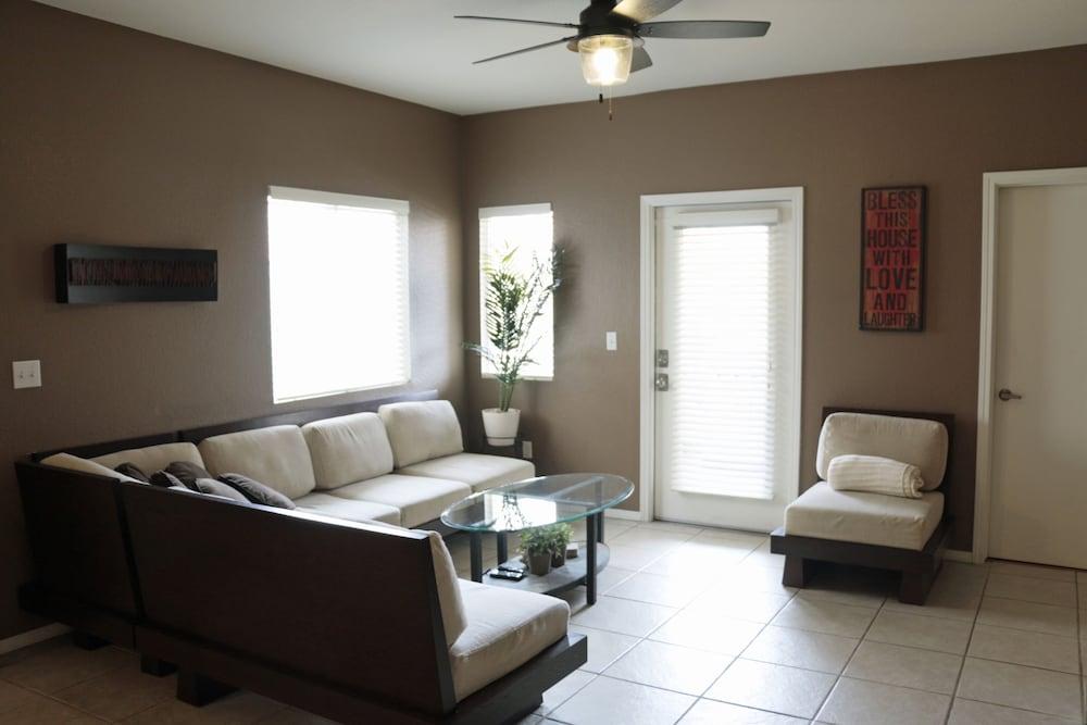 Modern Condo With Luxury Steam Shower in Albuquerque | Hotel Rates ...