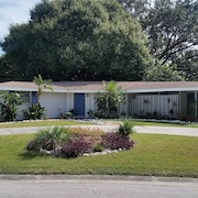 Peaceful and Renovated SRQ Home on Quiet Street! Close to #1 Beaches in the Usa!