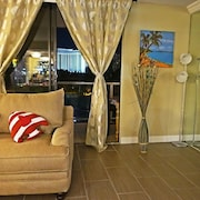 w03 Convention/strip Upgraded Suite 3 Beds/2 Baths