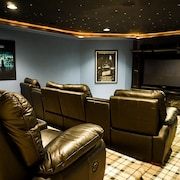 Cute Home Near Mountains and ski Resorts With Home Theater