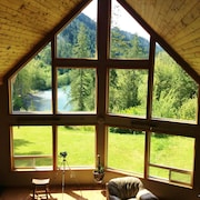 4 bd *amazing River & Mountain Views* On the Elwha River! *jan Sale*