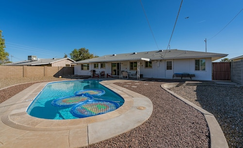 Old Town Scottsdale Home 3BR With Private Pool/patio