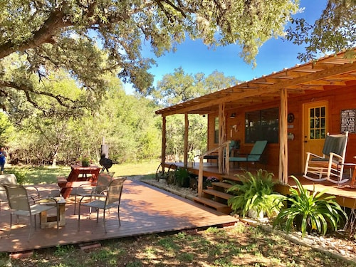 Four Sisters Ranch Cabin, Hike 500 Acres! Near Lost Maples & Garner, Secluded
