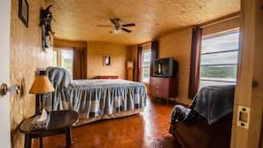 3 slaapkamers, een strijkplank/strijkijzer, wifi, beddengoed