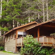 Rainforest Retreat- Bracken Cabin