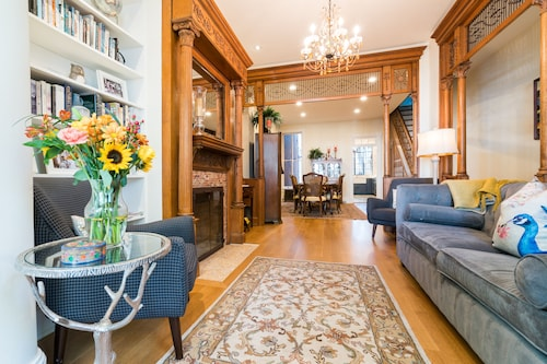 4bd/3.5br Prime Location Fam Home/parking in Hist Capitol Hill/lincoln Park