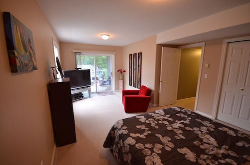 2 Bedroom Private Suite In East Abbotsford With Stunning Views