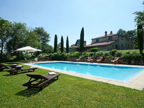 Albinaia 10+2 Sleeps, Villa With Private Pool at Exclusive Use!