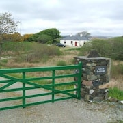 Rustic Stone ECO Cottage, Clifden - Roundstone. Premiere Private let