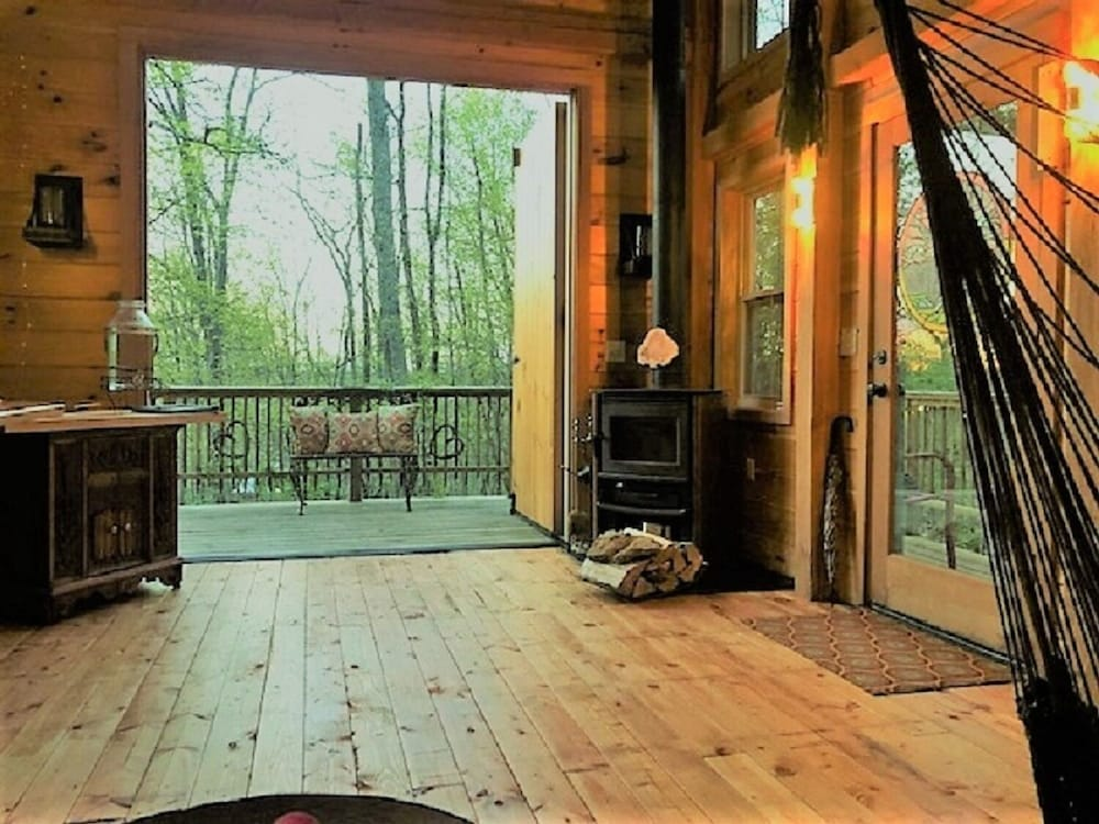 Balcony, Stay in Tree House Built by Treehouse Master Pete Nelson ~ off the Grid