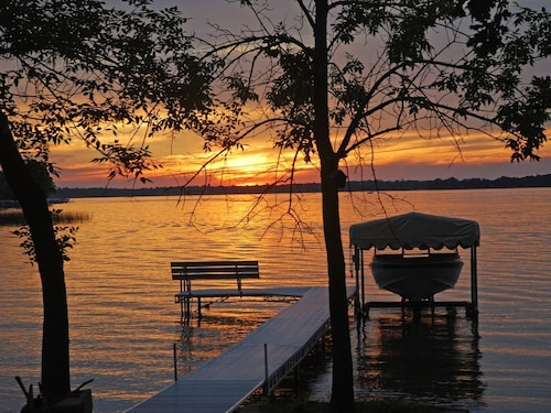 Great Place to stay Minnesota Sunsets! Lots of Relaxing Time near Atwater