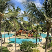 Pool/ocean Views Almost Beachfront King BED Wifi + Free Resort & Parking Pass!