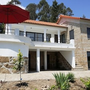 New! 4 Comfortable Bedrooms, Renovated Spacious Farmhouse Near Viseu & Coimbra