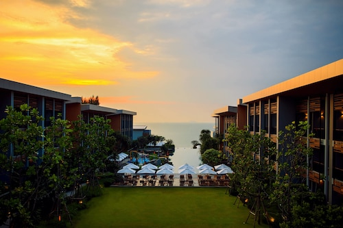 Renaissance Pattaya Resort & Spa