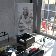 Loft 912 Twice Featured On HGTV - Walk to USC Stadium. 1mi. Main St., USC, Ft.Ja