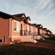 End Unit of 3 Bedroom Duplex in Camrose Close the Best Shopping