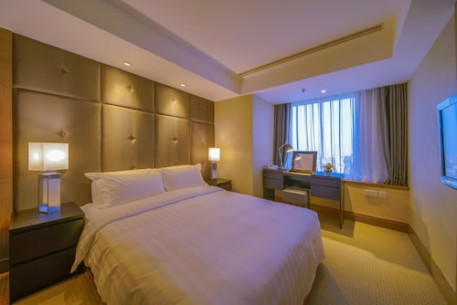 Jingguang Center Apartment
