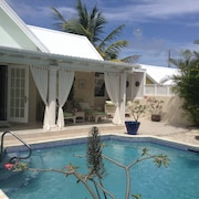 Private Villa ,bottom bay With Tropical Garden With Private Pool and Terraces