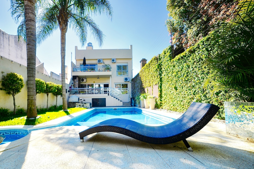 An Oasis W/swimming Pool for 2 Families or big Groups in ...