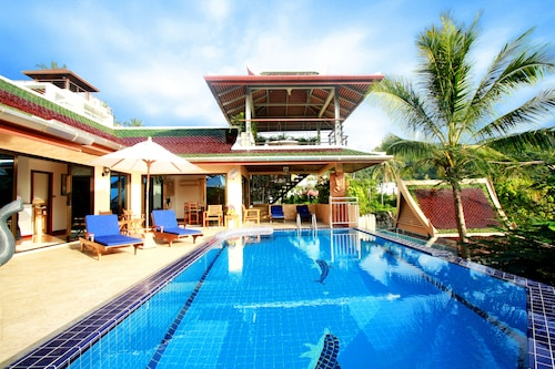 Fabulous Luxury 4 bed Villa With Chef and Pool