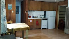 Fridge, oven, hob, coffee/tea maker