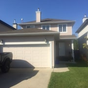 Great House ON Southside OF Edmonton With A Huge Fenced Backyard