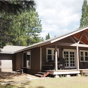 Mt. Shasta - Mccloud 3-bedroom Home on 2.5 Private Acres