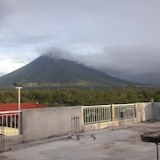 Mayon Lodging House