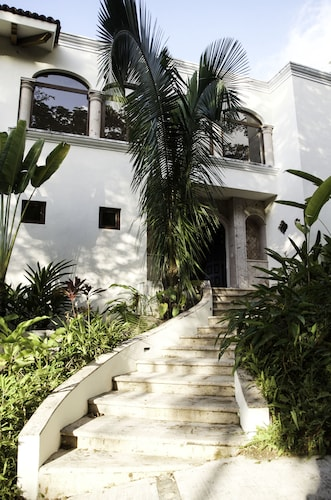 Puerto Vallarta Villa Near Beach by RedAwning